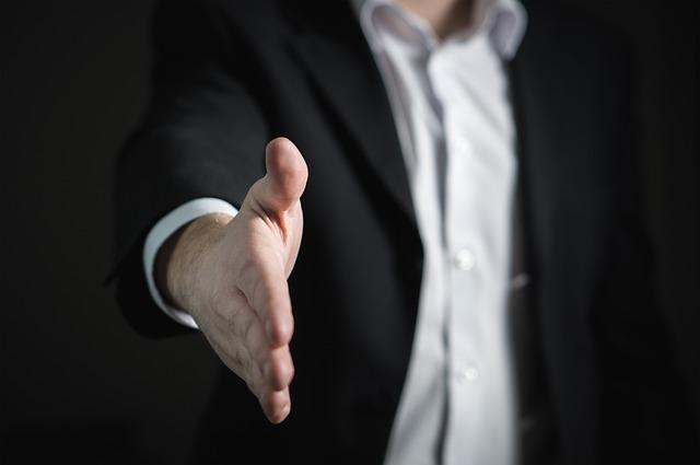 従業員を雇う事にした場合、届け出は何が必要ですか? …Q&A-031