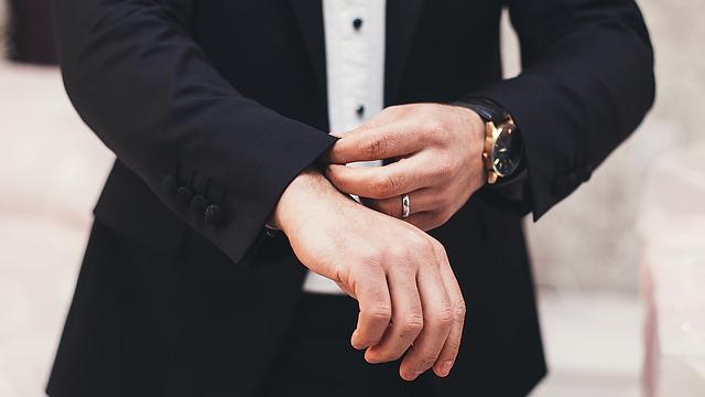 スーツは経費で落とせますか? …Q&A-032
