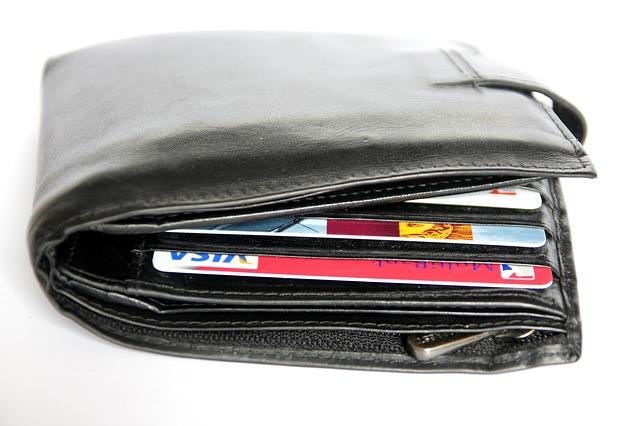 仕事用のカードと預金通帳、お財布を持とう …Q&A-015
